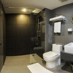 Отель The Lunar Patong ванная