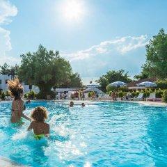 Отель Simeri Village Симери-Крики бассейн