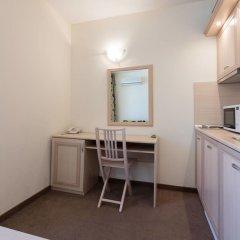 Апартаменты One Bedroom Apartment with Balcony в номере фото 2