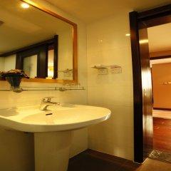 Отель Rayfont Downtown Hotel Shanghai Китай, Шанхай - 3 отзыва об отеле, цены и фото номеров - забронировать отель Rayfont Downtown Hotel Shanghai онлайн ванная фото 2