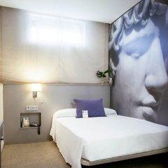 Отель Globales Acis & Galatea Мадрид сейф в номере