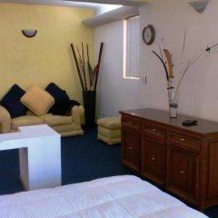 Отель Suites Diez- Eugenio Sue Мехико комната для гостей фото 2