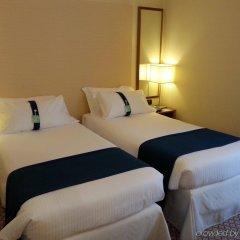 Отель Holiday Inn Milan Linate Airport Италия, Пескьера-Борромео - отзывы, цены и фото номеров - забронировать отель Holiday Inn Milan Linate Airport онлайн комната для гостей