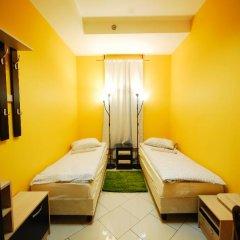 Хостел Landmark City Стандартный номер с 2 отдельными кроватями фото 9