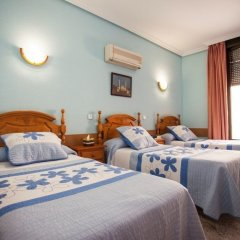 Отель Hostal Bermejo комната для гостей фото 2