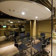 Отель Green World Taipei Station гостиничный бар