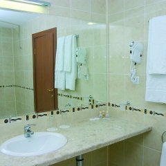 Отель Caesar Palace Болгария, Елените - отзывы, цены и фото номеров - забронировать отель Caesar Palace онлайн ванная