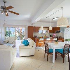 Отель Villa Crystal Sea Кипр, Протарас - отзывы, цены и фото номеров - забронировать отель Villa Crystal Sea онлайн комната для гостей фото 3