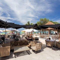 Отель The Bay and Beach Club бассейн