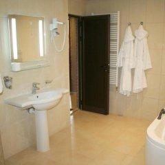 Real Hotel Велико Тырново ванная