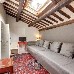Отель LM Suite Spagna комната для гостей фото 3