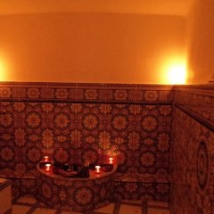 Отель Riad A La Belle Etoile бассейн