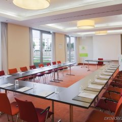 Отель Holiday Inn Berlin Airport - Conference Centre