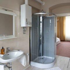 Отель Fink Low Budget Rooms Австрия, Вена - отзывы, цены и фото номеров - забронировать отель Fink Low Budget Rooms онлайн ванная