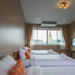 Отель Feung Nakorn Balcony Rooms And Cafe Бангкок фото 11