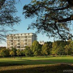 Отель Royal Garden Hotel Великобритания, Лондон - 8 отзывов об отеле, цены и фото номеров - забронировать отель Royal Garden Hotel онлайн спортивное сооружение