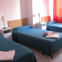 Отель Hostal Elkano Барселона комната для гостей фото 4