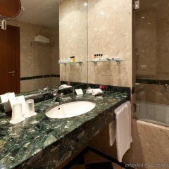 Отель Holiday Inn Porto Gaia Вила-Нова-ди-Гая ванная