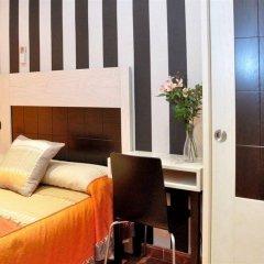 Отель Hostal Castilla I Испания, Мадрид - отзывы, цены и фото номеров - забронировать отель Hostal Castilla I онлайн комната для гостей фото 4