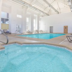 Отель Microtel Inn & Suites by Wyndham Cuauhtemoc бассейн фото 2