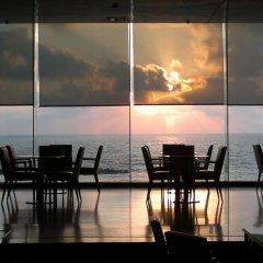 Отель Crowne Plaza Tel Aviv Beach питание