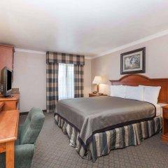 Отель Travelodge by Wyndham Sylmar CA США, Лос-Анджелес - отзывы, цены и фото номеров - забронировать отель Travelodge by Wyndham Sylmar CA онлайн комната для гостей фото 3