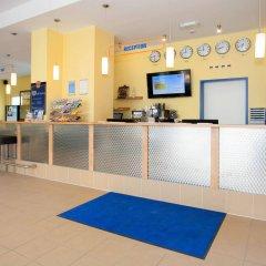 Отель a&o München Laim Германия, Мюнхен - 1 отзыв об отеле, цены и фото номеров - забронировать отель a&o München Laim онлайн интерьер отеля