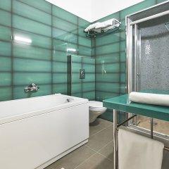Отель Lion Premium Hotel Венгрия, Будапешт - отзывы, цены и фото номеров - забронировать отель Lion Premium Hotel онлайн ванная фото 2