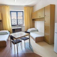 Отель Dizzy Daisy Hostel Польша, Вроцлав - отзывы, цены и фото номеров - забронировать отель Dizzy Daisy Hostel онлайн комната для гостей фото 3