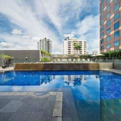 Отель Grand Mercure Singapore Roxy бассейн фото 3