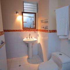 Hotel Plaza Versalles ванная