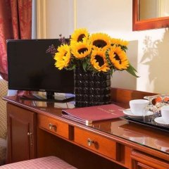 Hotel Queen Mary Paris удобства в номере фото 4