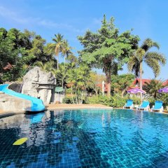 Отель Holiday Villa Ланта бассейн