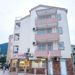 Отель SMS Apartments Черногория, Будва - отзывы, цены и фото номеров - забронировать отель SMS Apartments онлайн вид на фасад