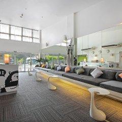 Отель D Varee Xpress Makkasan Бангкок бассейн