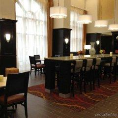 Отель Hampton Inn & Suites Effingham США, Эффингем - отзывы, цены и фото номеров - забронировать отель Hampton Inn & Suites Effingham онлайн гостиничный бар