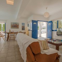 Отель Villa Saint Nikolas Кипр, Протарас - отзывы, цены и фото номеров - забронировать отель Villa Saint Nikolas онлайн комната для гостей фото 2