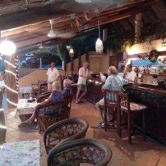 Отель Catalina Beach Resort Сиуатанехо гостиничный бар