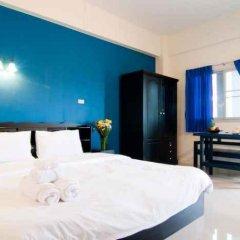 Отель Ploen Pattaya Residence Паттайя сейф в номере