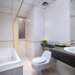 Отель Lakeside Palace Hotel Вьетнам, Ханой - отзывы, цены и фото номеров - забронировать отель Lakeside Palace Hotel онлайн ванная