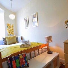 Отель Bright New Town 2 bed Apt - 5 Mins to Princes St Великобритания, Эдинбург - отзывы, цены и фото номеров - забронировать отель Bright New Town 2 bed Apt - 5 Mins to Princes St онлайн комната для гостей