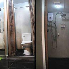 Отель The Twins Hostel Таиланд, Бангкок - отзывы, цены и фото номеров - забронировать отель The Twins Hostel онлайн ванная