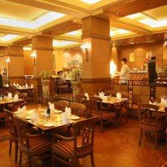 Отель The Suryaa New Delhi питание