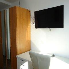 Hotel am Schloss сейф в номере