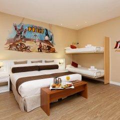 Отель Mayorazgo 4* Четырёхместный тематический номер