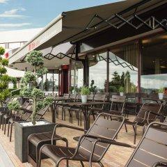 Отель ibis Schiphol Amsterdam Airport Нидерланды, Бадхевердорп - 7 отзывов об отеле, цены и фото номеров - забронировать отель ibis Schiphol Amsterdam Airport онлайн бассейн