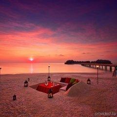 Отель Huvafen Fushi by Per AQUUM Мальдивы, Гиравару - отзывы, цены и фото номеров - забронировать отель Huvafen Fushi by Per AQUUM онлайн пляж фото 2