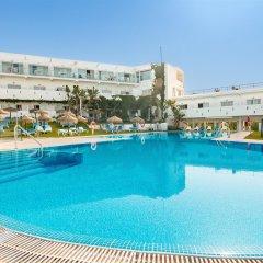 Отель FERGUS Conil Park Испания, Кониль-де-ла-Фронтера - отзывы, цены и фото номеров - забронировать отель FERGUS Conil Park онлайн бассейн фото 2