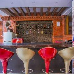 Отель OYO 235 Hotel Goodwill Непал, Лалитпур - отзывы, цены и фото номеров - забронировать отель OYO 235 Hotel Goodwill онлайн гостиничный бар