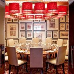 Отель Radisson Blu Hotel, Dubai Deira Creek ОАЭ, Дубай - 3 отзыва об отеле, цены и фото номеров - забронировать отель Radisson Blu Hotel, Dubai Deira Creek онлайн питание фото 2
